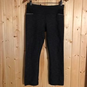 Lululemon Ride On Button Cuff Crops Size 6